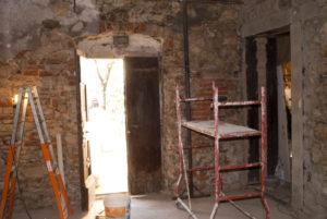 dopo la stonacatura si vede il vecchio arco