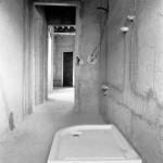 dettaglio della ristrutturazione completa bagno camera artigiana