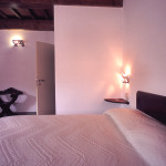 camera doppia con bagno interno double room with bathroom in fiesole rustic villa